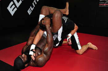 Even in a warm-up session, Kimbo had terrible form