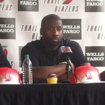 A cupcake during a press conference Raymond Felton? Come on, man!