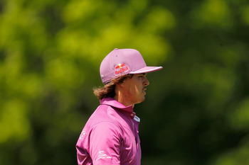 What shade of pink will Rickie Fowler wear on Mother's Day?