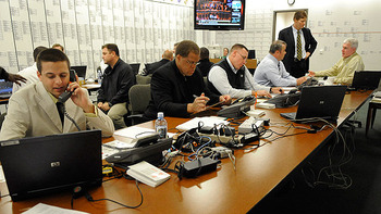Nflwarroom_display_image