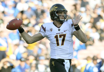 Brock Osweiler throws a pass during Arizona State's heartbreaking loss to UCLA.