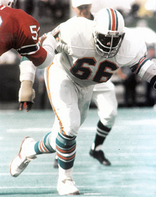 Larry Little helped pave the way to the Dolphins' 1972 perfect season. Photo: Sportsattic2.com
