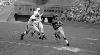 Emlen Tunnell was the first black player inducted into the Hall of Fame. Photo: Associated Press