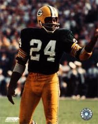 Willie Wood helped define what the safety position should be. Photo: ProFootballHoF.com