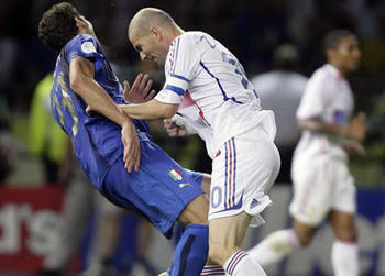 Cristiano-ronaldo-429-zinedine-zidane-head-butt-to-marco-materazzi-assault-france-vs-italy-world-cup-2006-final_display_image