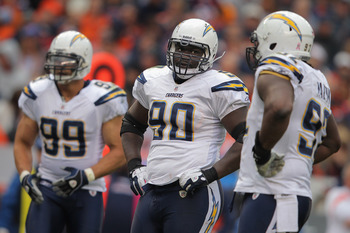 Free agent defensive lineman Tommie Harris during game with San Diego last season.