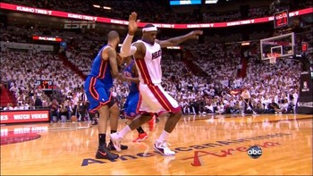 Chandler-foul-lebron-flop-628x353_display_image