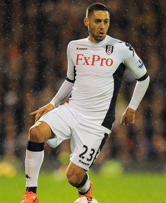 LONDON, ENGLAND - APRIL 09:  Clint Dempsey of Fulham in action during the Barclays Premier League match between Fulham and Chelsea at Craven Cottage on April 9, 2012 in London, England.  (Photo by Mike Hewitt/Getty Images)