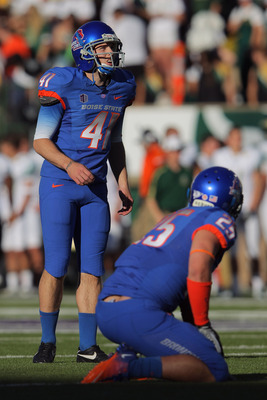 BSU kicker Dan Goodale (41).