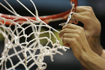 Basketball_cutting_down_net_600x350_display_image