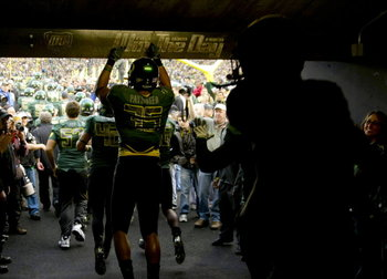 http://blog.oregonlive.com/behindducksbeat/2010/11/as_oregon_ducks_win_the_day_ov.html