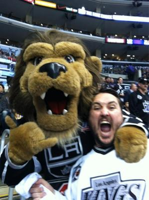 The Humble Wil Wheaton with @BaileyLAKings from Wil Wheaton's Twitter Account