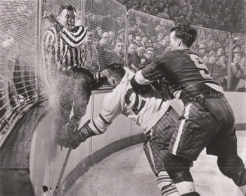 Image via greatesthockeylegends.com