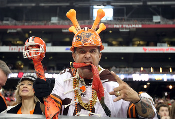 Browns fans celebrate a division title