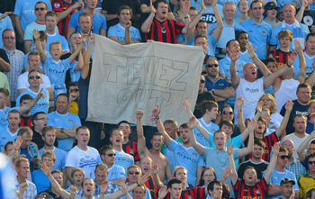 "Manchester City fans show their ""love"" for Carlos Tevez"