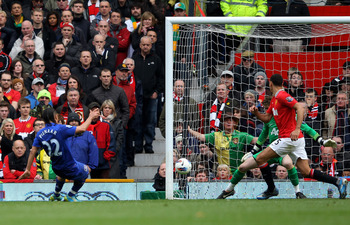 Steven Pienaar's late strike gave Everton a 4-4 draw with Manchester United