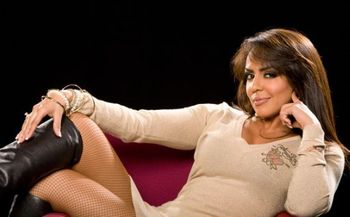 Wwe-diva-layla-fashions-21_display_image