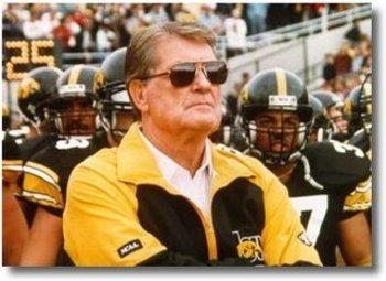 http://hawkcentral.com/2012/01/19/hayden-fry-gets-bear-bryant-award/