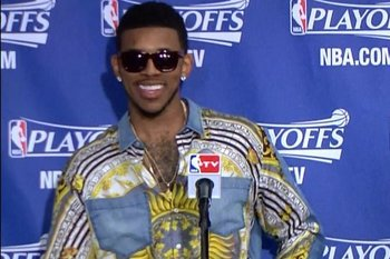 3 Man Mock Nick-young-wore-the-shirt-to-end-all-shirts_original_display_image