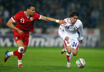 Bryan Oviedo (right)