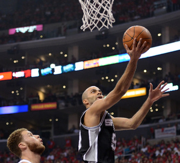 Tony Parker attempts a layup in Game 4 of the Clippers-Spurs series.