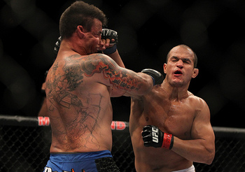 LAS VEGAS, NVMAY 26: (R-L) Junior dos Santos punches Frank Mir during the Heavyweight Championship bout at UFC 146 at MGM Grand Garden Arena. (Photo by Josh Hedges/Zuffa LLC/Zuffa LLC via Getty Images)