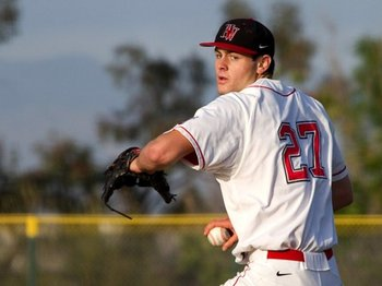 Harvard-westlake-pitcher-lucas-giolito-eric-dearborn-photography_display_image