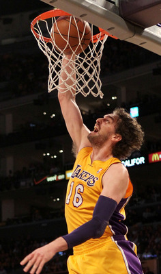 """The Spaniard"" should remain in purple and gold"