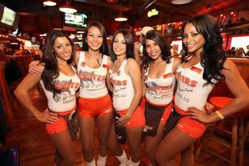 Hooters_display_image