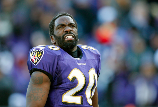 BALTIMORE, MD - JANUARY 15:  Ed Reed #20 of the Baltimore Ravens takes off his helmet during a timeout during second quarter of the AFC Divisional playoff game against the Houston Texans at M&amp;T Bank Stadium on January 15, 2012 in Baltimore, Maryland.  (Ph