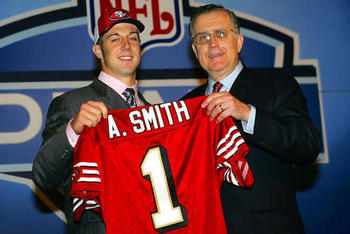 Alex-smith-with-paul-tagliabue-2005-nfl-draft_photo_medium_display_image