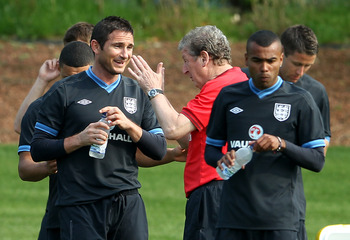 LONDON COLNEY, ENGLAND - MAY 29:  (L to R) John Terry, Frank Lampard, Roy Hodgson and Ashley Cole during an England Training Session at London Colney on May 29, 2012 in London, England.  (Photo by Scott Heavey/Getty Images)