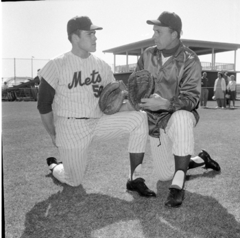 Steve Chilcott and Mets manager Gil Hodges in 1969. Photo courtesy of ebay.com.