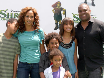 Holly_robinson_rodney_peete_a_display_image