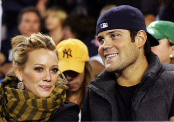 Hilary-duff-and-mike-comrie_display_image
