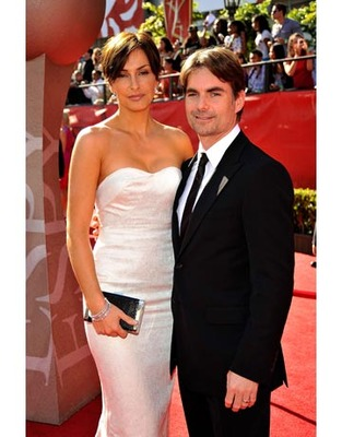 Jeffgordonandingridvandebosch_display_image