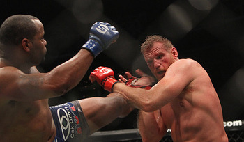 Photo: Laron Zaugg/MMA Weekly