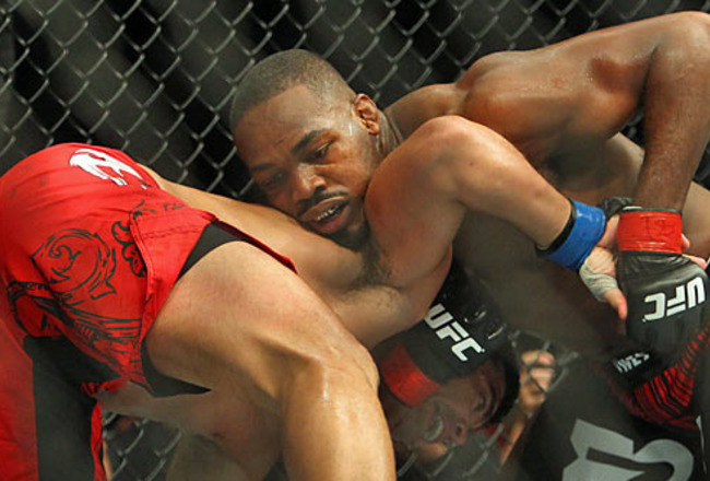 Jon_jones_chokes_out_machida_crop_650x440
