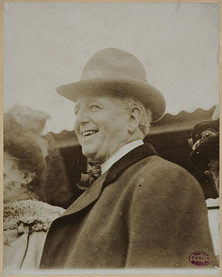 Charles_comiskey_circa_1910_display_image