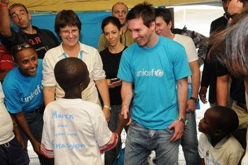 http://www.unicef.org.nz/article/1484/soccerstarleomessivisitshaititohighlightchildrensplight.html