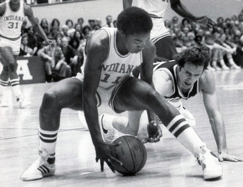 Walker battles Isiah Thomas. (Indianapolis Star)