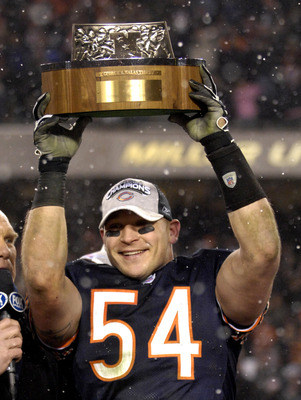 Brian Urlacher and the Bears showed a dominant performance in the 2006 NFC Championship Game.