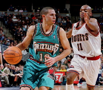 Photo Source: http://3.bp.blogspot.com/-sPaNo0WBeEo/TbUhZvwIDlI/AAAAAAAABbg/RfkEPzepvrc/s1600/Mike+Bibby.jpg