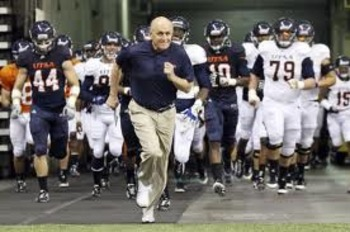http://www.mysanantonio.com/slideshows/sports/slideshow/2012-UTSA-spring-game-41674.php