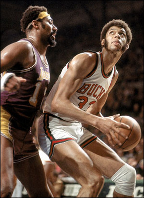 Photo Source: http://www.warriorsworld.net/wp-content/uploads/2011/06/Kareem-Wilt.jpg