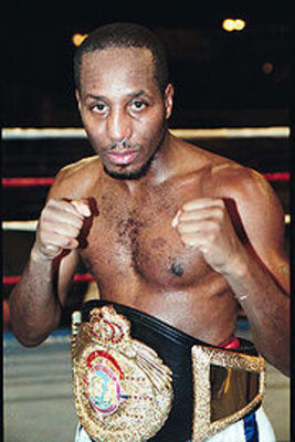 http://static.boxrec.com/wiki/thumb/7/79/Jones.Junior.jpg/180px-Jones.Junior.jpg