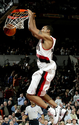 PORTLAND, OR - NOVEMBER13:  Rasheed Wallace #30 of the Blazers dunks against the Sacramento Kings November 13, 2003 at the Rose Garden in Portland, Oregon.  NOTE TO USER: User expressly acknowledges and agrees that, by downloading and/or using this Photog