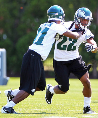 Boykin battles with veteran Joselio Hanson.