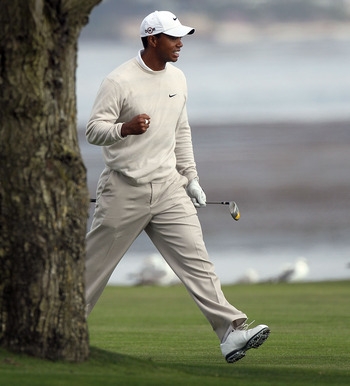 PEBBLE BEACH, CA - JUNE 19:  Tiger Woods watches his approach shot on the 18th hole during the third round of the 110th U.S. Open at Pebble Beach Golf Links on June 19, 2010 in Pebble Beach, California.  (Photo by Stephen Dunn/Getty Images)