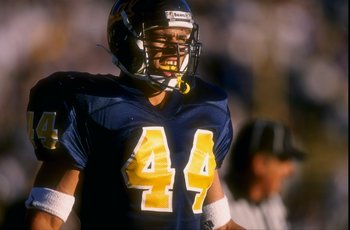 26 Oct 1996:  Tight end Tony Gonzalez of the University of California during the Cal Golden Bears 38-29 loss to UCLA at Memorial Stadium in Berkeley, California. Mandatory Credit: Otto Greule Jr.  /Allsport